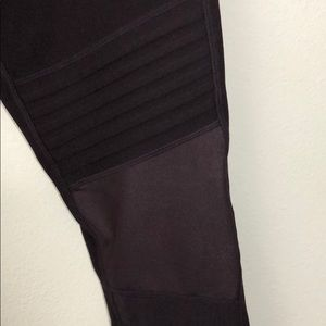 Pants - Plum workout leggings
